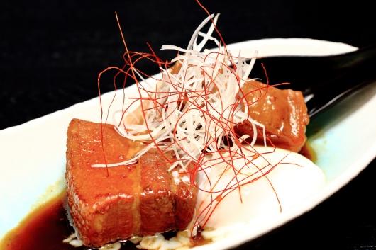 豚角煮とトロトロ卵
